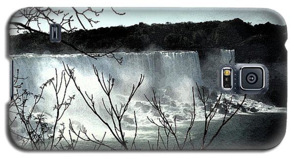 Galaxy S5 Case featuring the photograph Niagar Falls by Pravine Chester