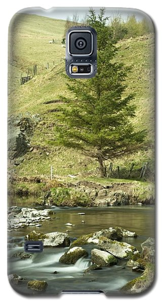 Galaxy S5 Case featuring the photograph Northumberland, England A River Flowing by John Short