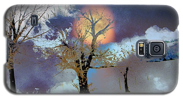 Galaxy S5 Case featuring the photograph November Moon by Lenore Senior