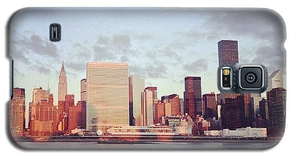 Place Galaxy S5 Case - Nyc Sunrise by Randy Lemoine