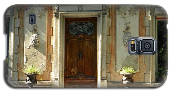 Old Entrance In Provence Galaxy S5 Case by Manuela Constantin