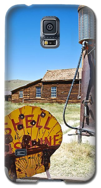Galaxy S5 Case featuring the photograph Old Gas Pumps by Shane Kelly