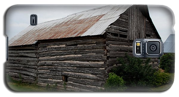 Galaxy S5 Case featuring the photograph Old Log Building by Barbara McMahon