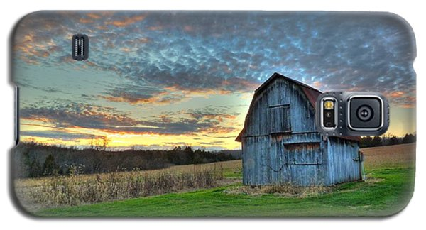 Galaxy S5 Case featuring the photograph Old Mines Barn by William Fields