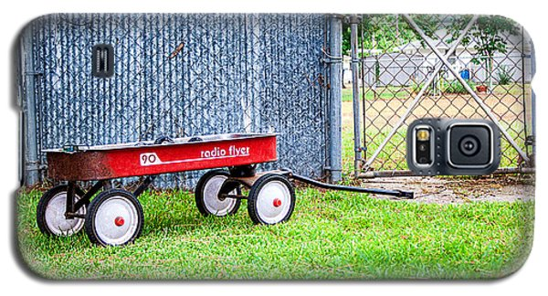 Galaxy S5 Case featuring the photograph Old Radio Flyer Wagon by Ester  Rogers