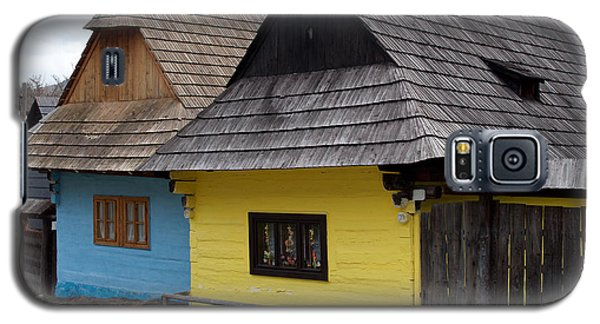 Galaxy S5 Case featuring the photograph Old Wooden Homes by Les Palenik