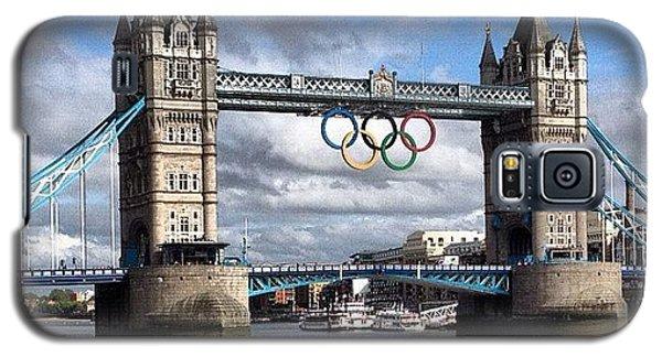 London2012 Galaxy S5 Case - Olympic Rings On Tower Bridge #london by Luke Cameron