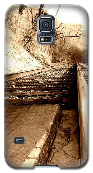 Galaxy S5 Case featuring the photograph On The Rail by Amy Sorrell