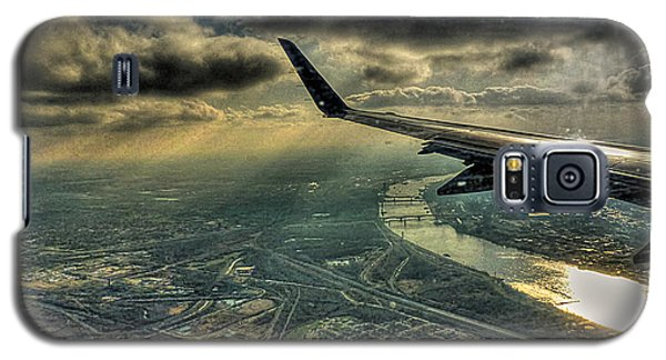 Galaxy S5 Case featuring the photograph On The Wing by William Fields