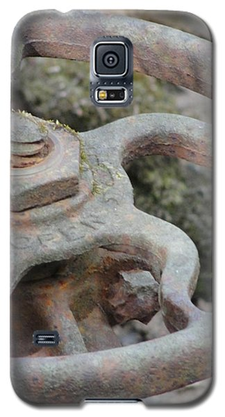 Galaxy S5 Case featuring the photograph Open Or Close by Tiffany Erdman