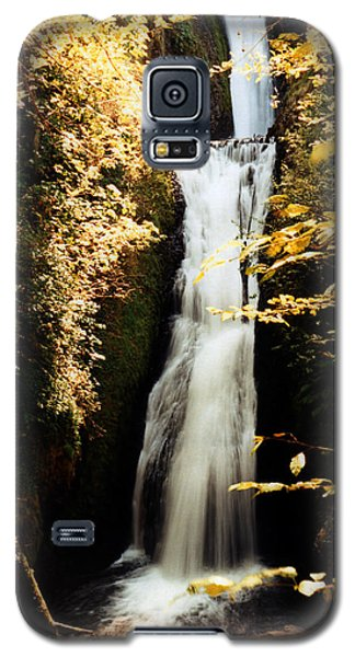 Galaxy S5 Case featuring the photograph Oregon Waterfall Yellows by Maureen E Ritter