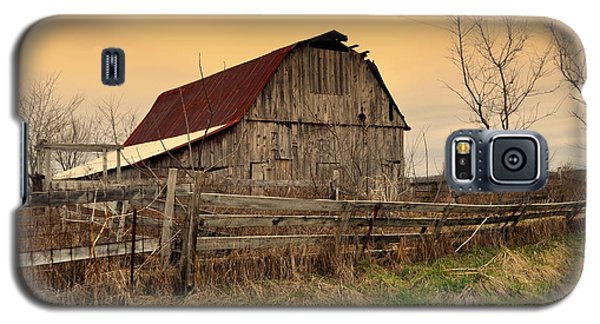 Galaxy S5 Case featuring the photograph Ozark Barn 1 by Marty Koch