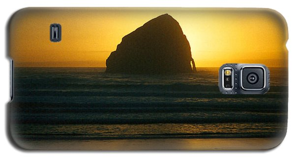 Galaxy S5 Case featuring the photograph Pacific City Sunset by Chriss Pagani