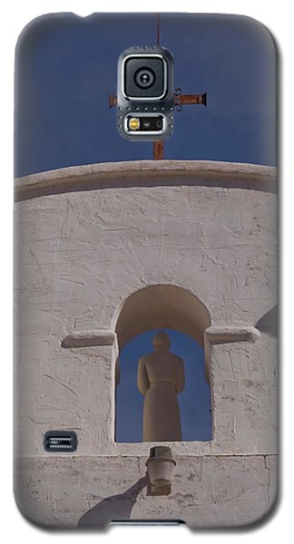 Galaxy S5 Case featuring the photograph Padre In Tower by Tom Singleton