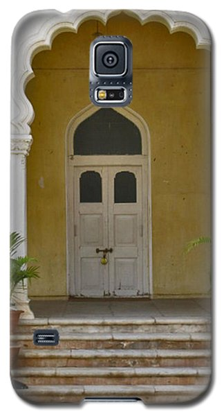 Galaxy S5 Case featuring the photograph Palace Door by David Pantuso
