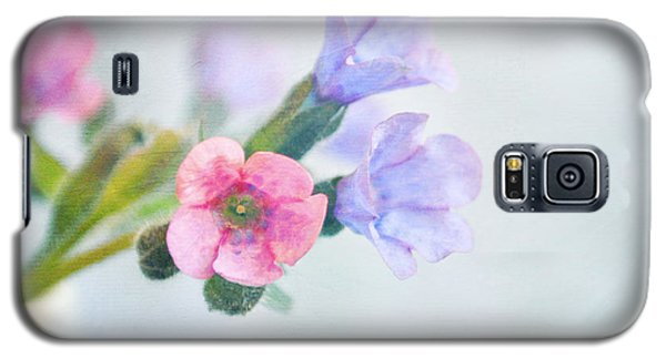 Pale Pink And Purple Pulmonaria Flowers Galaxy S5 Case
