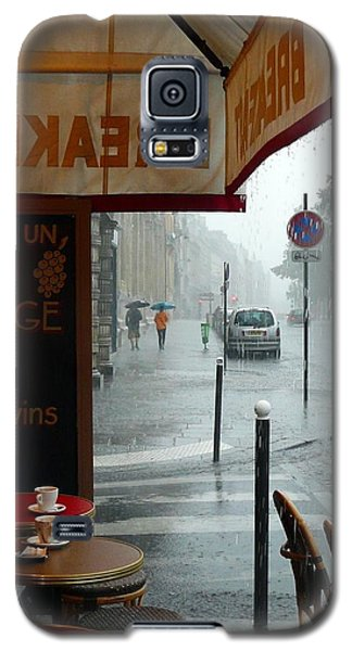 Galaxy S5 Case featuring the photograph Paris Pluie by Rdr Creative