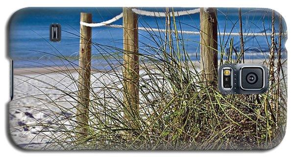 Galaxy S5 Case featuring the photograph Path To The Beach by Susan Leggett
