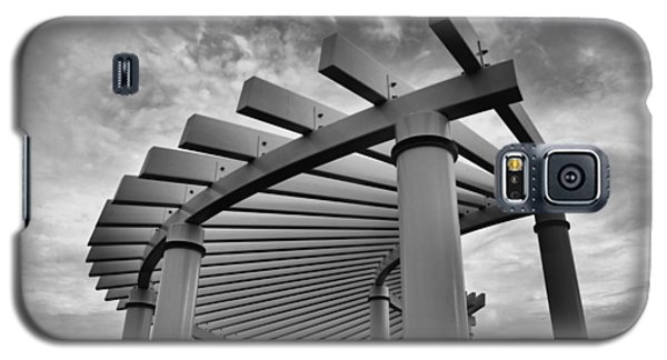 Galaxy S5 Case featuring the photograph Pergola by Brian Hughes
