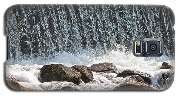 Galaxy S5 Case featuring the photograph Phelps Mill Dam by Penny Meyers