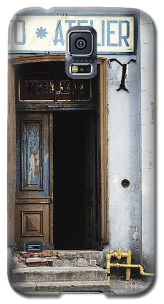 Galaxy S5 Case featuring the photograph Photography Studio Entrance by Agnieszka Kubica