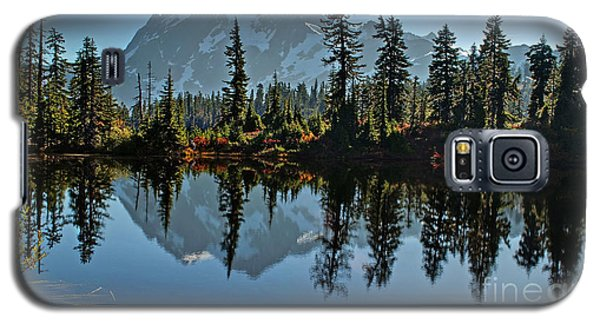 Galaxy S5 Case featuring the photograph Picture Lake - Heather Meadows Landscape In Autumn Art Prints by Valerie Garner