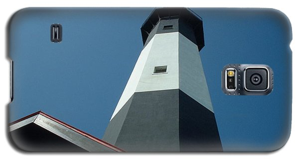 Galaxy S5 Case featuring the photograph Pierce The Sky by Mark Robbins