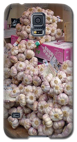 Galaxy S5 Case featuring the photograph Pink Garlic by Carla Parris
