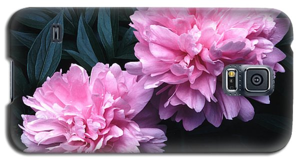 Galaxy S5 Case featuring the photograph Pink Peony Pair by Tom Wurl