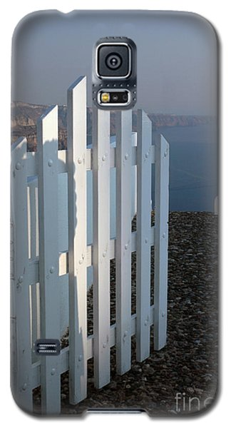 Galaxy S5 Case featuring the photograph Please Come In by Vivian Christopher