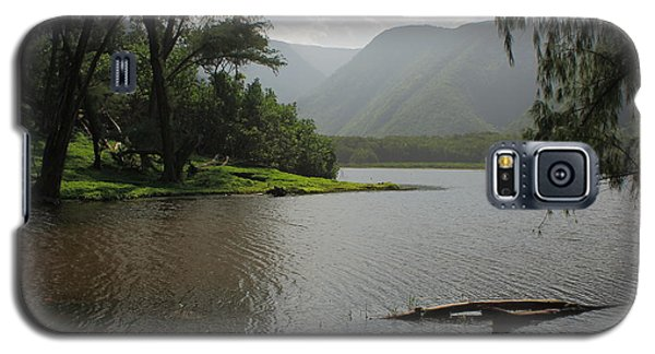 Galaxy S5 Case featuring the photograph Pololu Valley Off Awini Trail by Scott Rackers