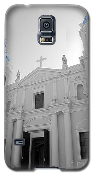 Galaxy S5 Case featuring the photograph Ponce Puerto Rico Cathedral Of Our Lady Of Guadalupe Color Splash Black And White by Shawn O'Brien