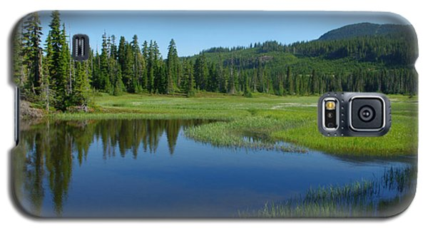 Galaxy S5 Case featuring the photograph Pond Reflection by Marilyn Wilson