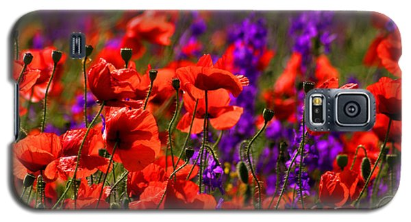 Galaxy S5 Case featuring the photograph Poppy Field by Emanuel Tanjala