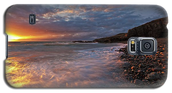 Galaxy S5 Case featuring the photograph Porth Swtan Cove by Beverly Cash