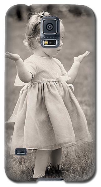 Precious Vintage Girl In Dress Galaxy S5 Case by Tracie Kaska