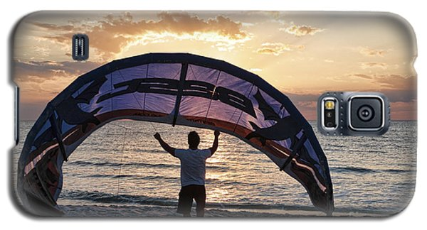 Putting Away The Kite At Clam Pass At Naples Florida Galaxy S5 Case