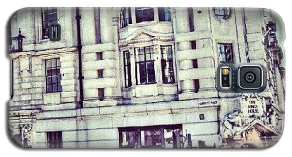 Classic Galaxy S5 Case - Random Pic In #london | #uk #england by Abdelrahman Alawwad