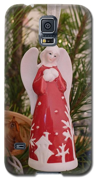 Galaxy S5 Case featuring the photograph Red Angel by Richard Reeve