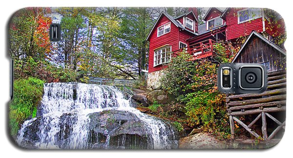 Red House By The Waterfall 2 Galaxy S5 Case