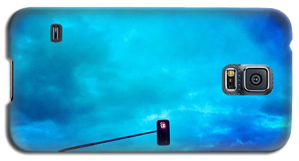 Light Galaxy S5 Case - Red Traffic Light And Cloudy Blue Sky by Matthias Hauser