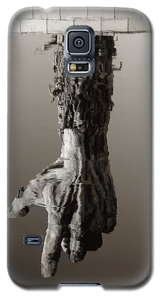 Galaxy S5 Case featuring the photograph Reflections Of The Past by Raymond Earley