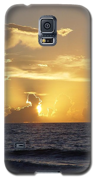 Galaxy S5 Case featuring the photograph Rise Over Atlantic by Elizabeth Sullivan