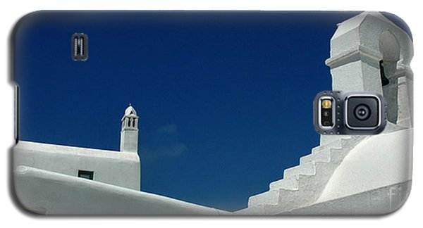 Galaxy S5 Case featuring the photograph Rooftops Of Mykonos by Vivian Christopher