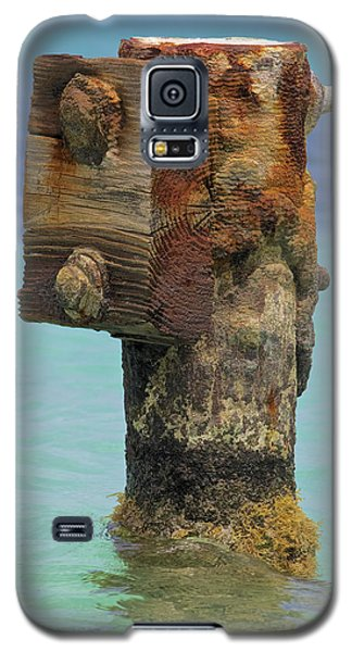 Rusted Dock Pier Of The Caribbean Iv Galaxy S5 Case