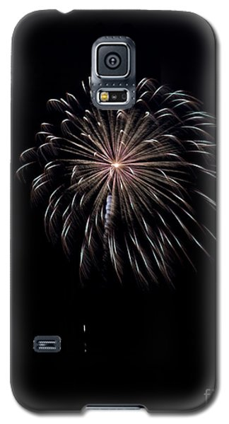 Galaxy S5 Case featuring the photograph Rvr Fireworks 10 by Mark Dodd