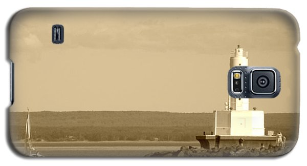 Galaxy S5 Case featuring the photograph Sailing By The Marquette Presque Isle Lighthouse by Mark J Seefeldt