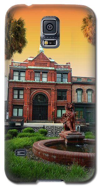 Galaxy S5 Case featuring the photograph Savannah Cotton Exchange by Paul Mashburn