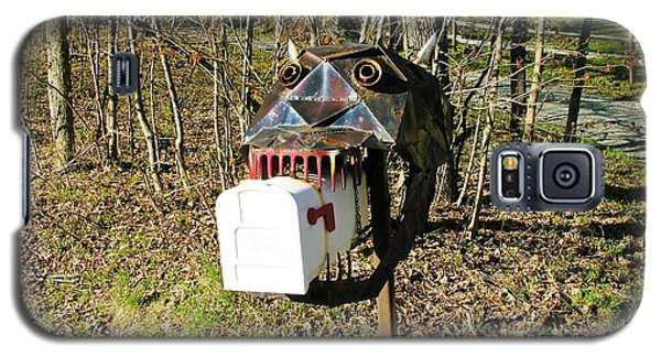 Galaxy S5 Case featuring the photograph Scary Mailbox 3 by Sherman Perry