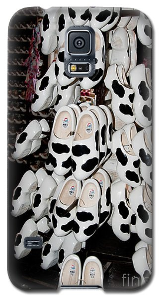 Galaxy S5 Case featuring the digital art Scenes From Amsterdam by Carol Ailles